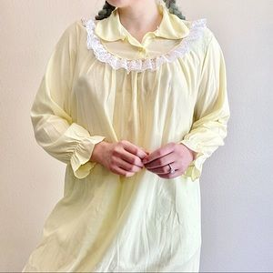 Vintage | 1960s Pastel Yellow Babydoll Nightgown